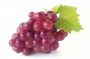 kohenna vastustuskykyä viinirypäleitä syömällä