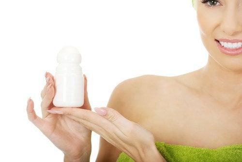 antiperspirantti kasvojen ihonhoidossa