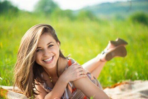 Muista halata rakkaitasi joka päivä - se tuo positiivista energiaa päivään!