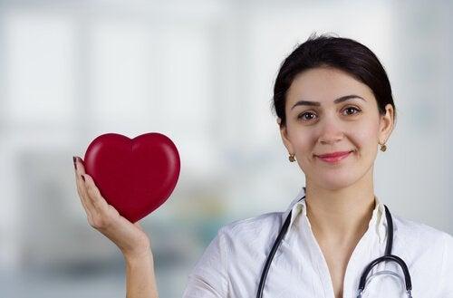 Vihreän teen terveysvaikutukset sydämelle.