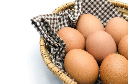 uupumus helpottaa kananmunia syömällä