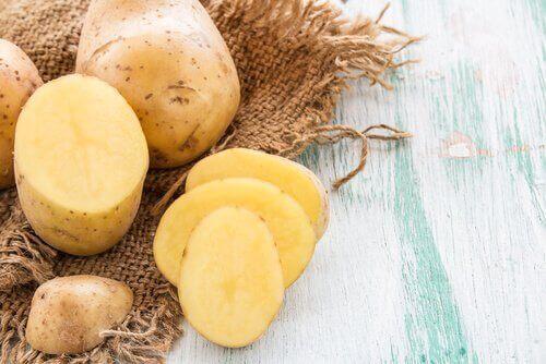 säästä perunankuoret hiuksillesi