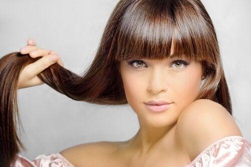 tehosta hiusten kasvua helposti luonnontuotteilla