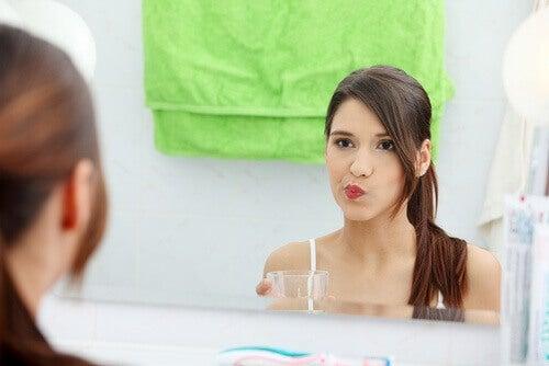 Ruokasoodaveden käyttö suun huuhtelussa