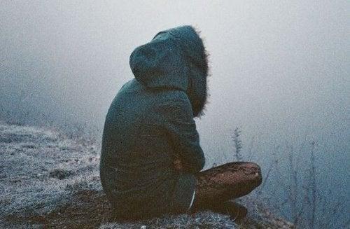 yksinäisyys ja huono itsetunto