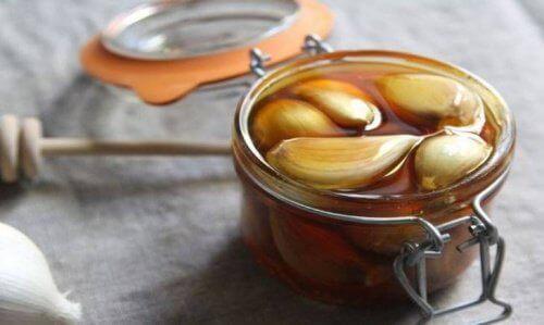 hunaja-valkosipulihoito
