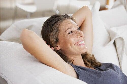 Kylmän suihkun hyötyjä - parantaa mielialaa.