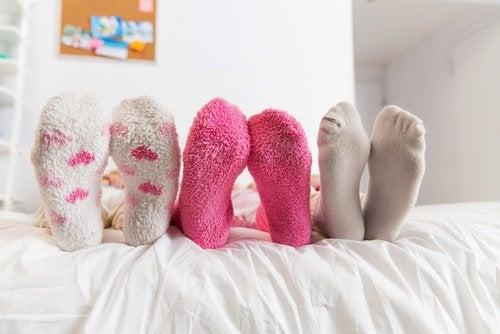 Kolmet jalat ja sukat