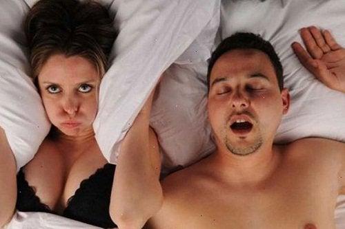 kuorsauksesta eroon älä ärsytä vaimoa