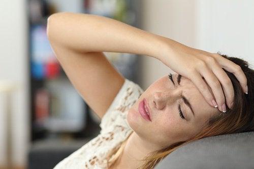 fibromyalgian varoitusmerkit: päänsärky