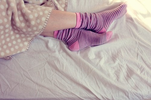 Sukat sängyssä