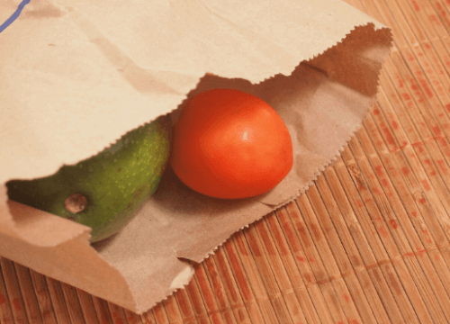 Kypsyttää avokado paperipussin sisässä