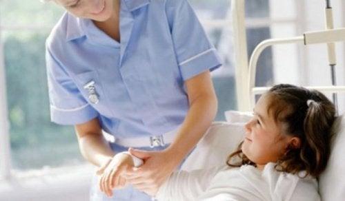Myös lapsi voi kärsiä niveltulehduksesta.