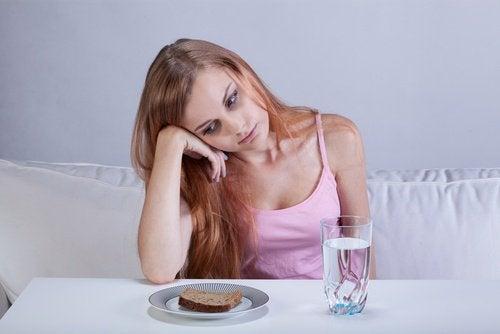 ruokahalu surun fyysiset vaikutukset