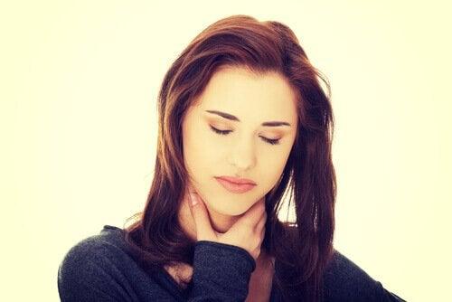 Jos kärsit närästyksestä, kannattaa kokeilla luonnollisia hoitokeinoja.