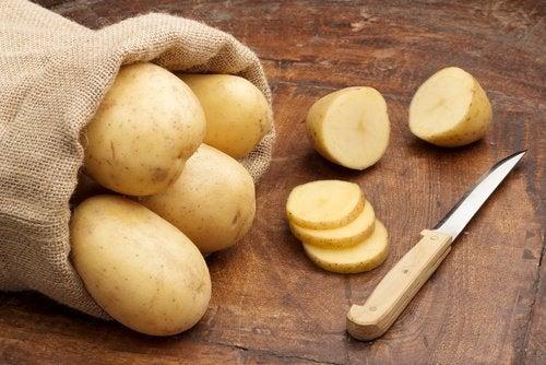 voit poistaa ruostetta perunoilla