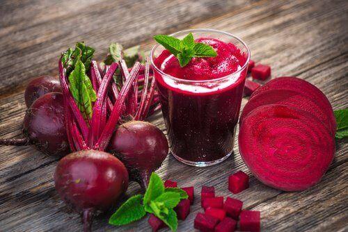 6 terveellistä juomaa anemian ehkäisyyn ja hoitoon