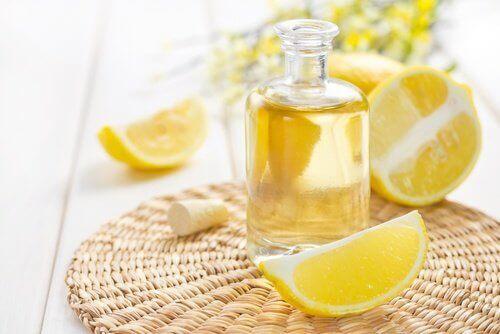 Hiukset tuoksumaan sitruunalta