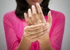 Huono verenkierto aiheuttaa käsien kylmyyttä