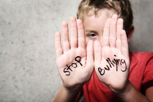 Lopeta koulukiusaaminen