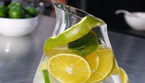 Appelsiini-limettijuoma