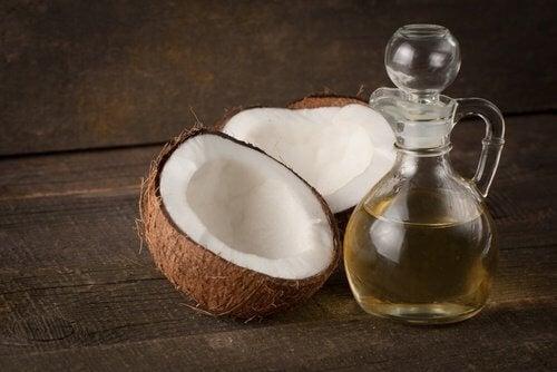 Kookspähkinä- ja öljy
