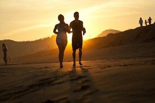 Juoksulenkki rannalla