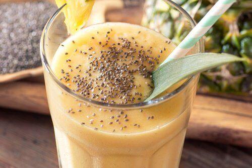 Tämä painonpudotusta edistävä smoothie on hyvä lisä terveelliseen ruokavalioon.