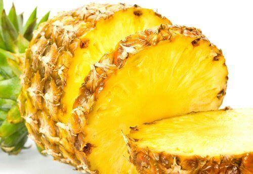 syö ananasta osteoporoosia vastaan