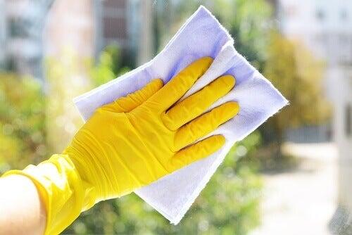 keltaiset hanskat