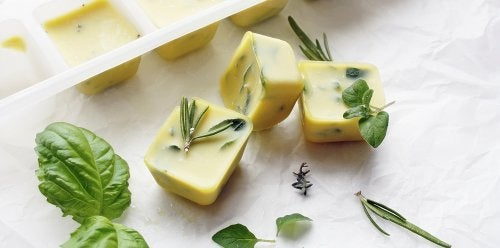 Yrtit ja oliiviöljy