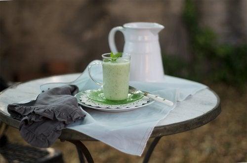 vihreä melonikeitto