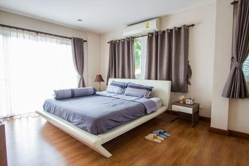 Makuuhuoneen värimaailma kannattaa miettiä tarkkaan.