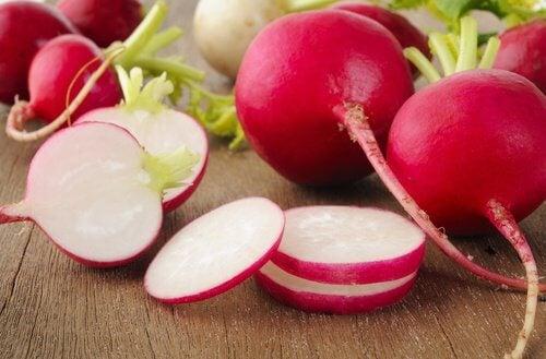 Retiisillä on antioksidanttisia ominaisuuksia.