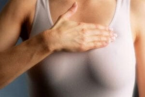 Jos rintojesi koostumus on tiheä, käy mammografiassa vuosittain