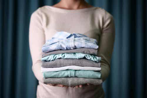 Vaatteiden kuivaaminen pyykkitelineessä ei kannata
