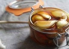 Valkosipulia ja hunajaa