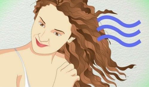 Hiusten kihartaminen
