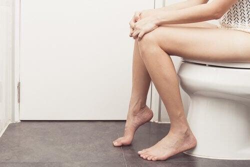 peräaukon syövän oireet: muuttunut uloste