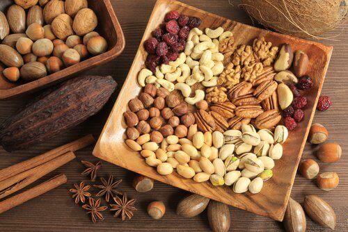 Pähkinöitä ummetuksen helpottamiseksi
