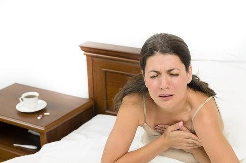 paniikkikohtaukset aiheuttavat hengenahdistusta