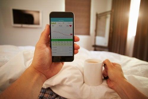 Kuinka kännykän käyttö vaikuttaa terveyteesi?