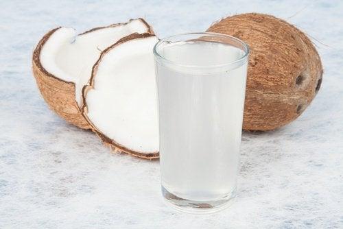 kookosvesi on pelkkää vettäkin parempi vaihtoehto