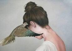 kritiikki linnulta naiselle