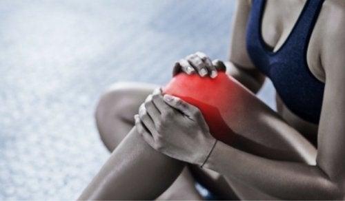 Bursiitin hoito onnistuu myös kotioloissa luonnollisin keinoin.