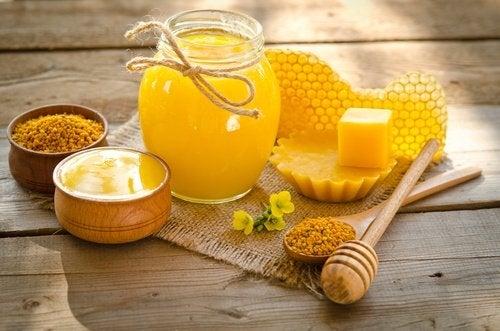 karkota suunympäryksen rypyt mehiläisvahalla