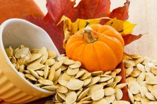 8 loistavaa syytä syödä kurpitsansiemeniä