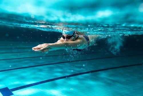 nainen ui