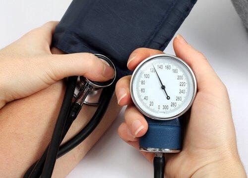 8 varoitusmerkkiä aivohalvauksesta - korkea verenpaine.
