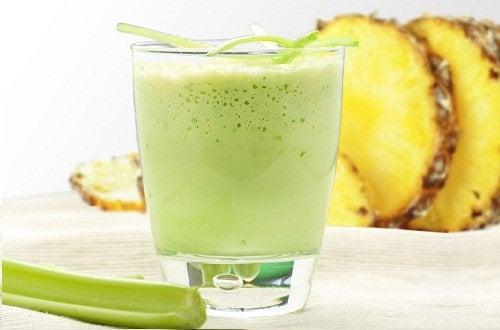 Sellerismoothie on hyödyllinen juoma helibakteerin hoidossa